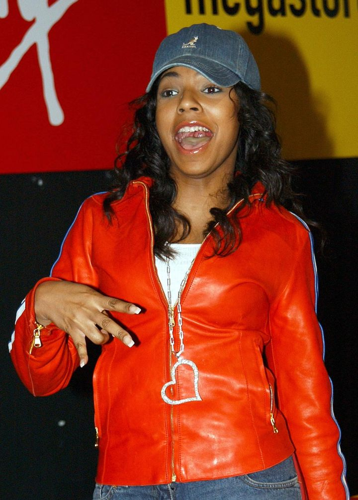 Ashanti at Virgin Megastore